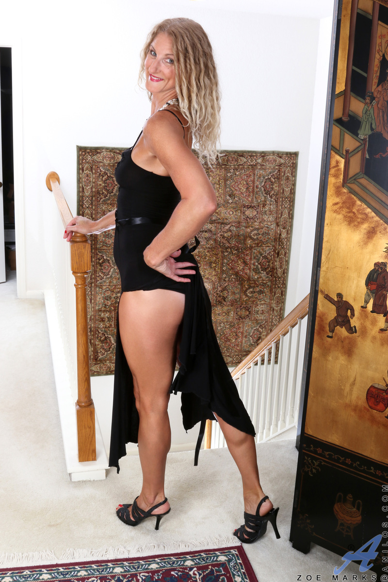 Anilos.com - Zoe Marks: Sexy Mature