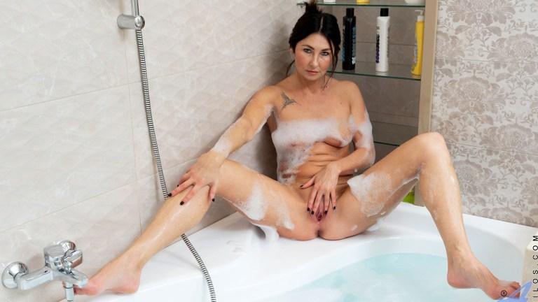 Anilos - Bubble Bath