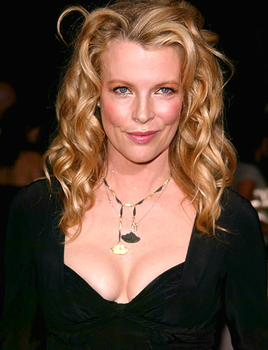 Kim Basinger Photo Gallery
