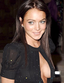 Lindsay Lohan has boobs!