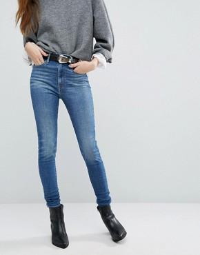 что носить с джинсами