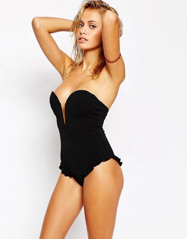 V Front Swimsuit - € 153,42