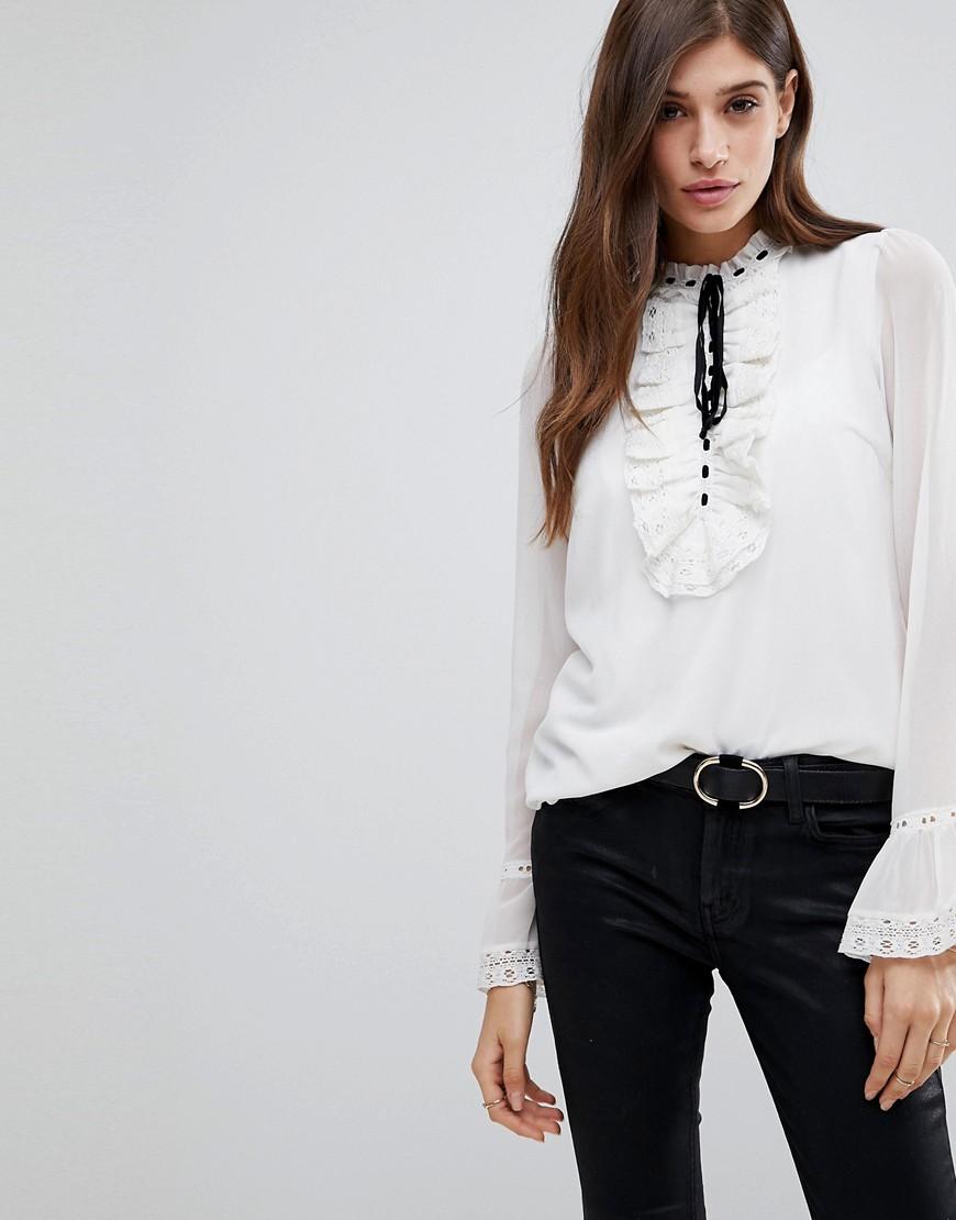 Vero Moda - Victoriana - Bluse mit Schnürung am Kragen - Weiß