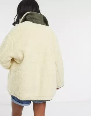 asos design tall veste imitation peau de mouton avec empiecement en velours cotele creme