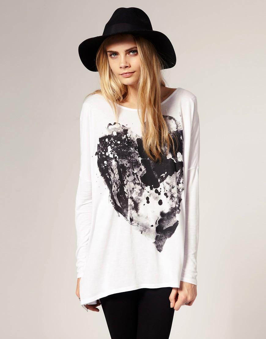Cara Delevigne wearing ASOS ink t-shirt