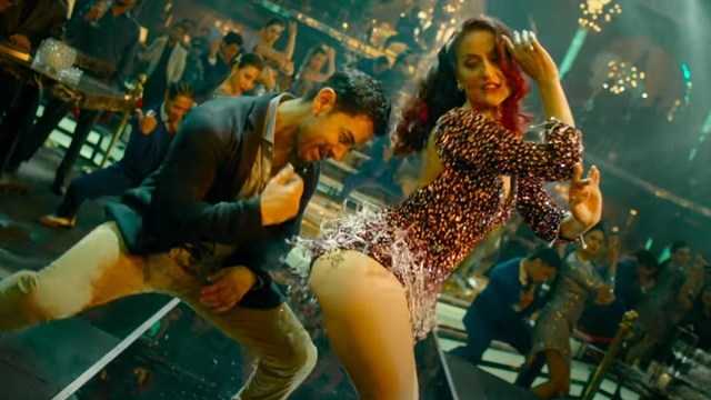When was the last time you saw Aamir Khan dancing like this? Watch video