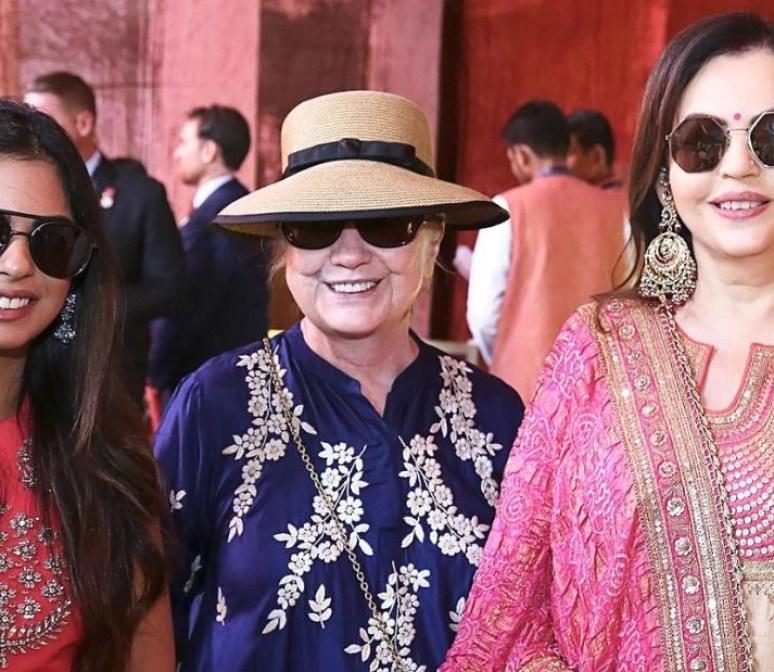 Hillary Clinton with Isha and Nita Ambani.