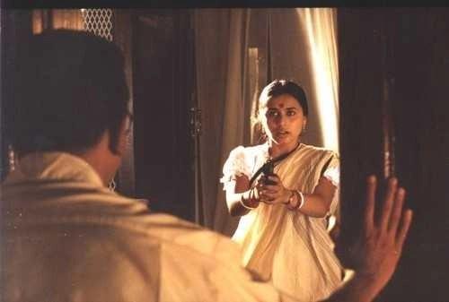 Rani Mukerji jokingly threatens to shoot Kamal Haasan.