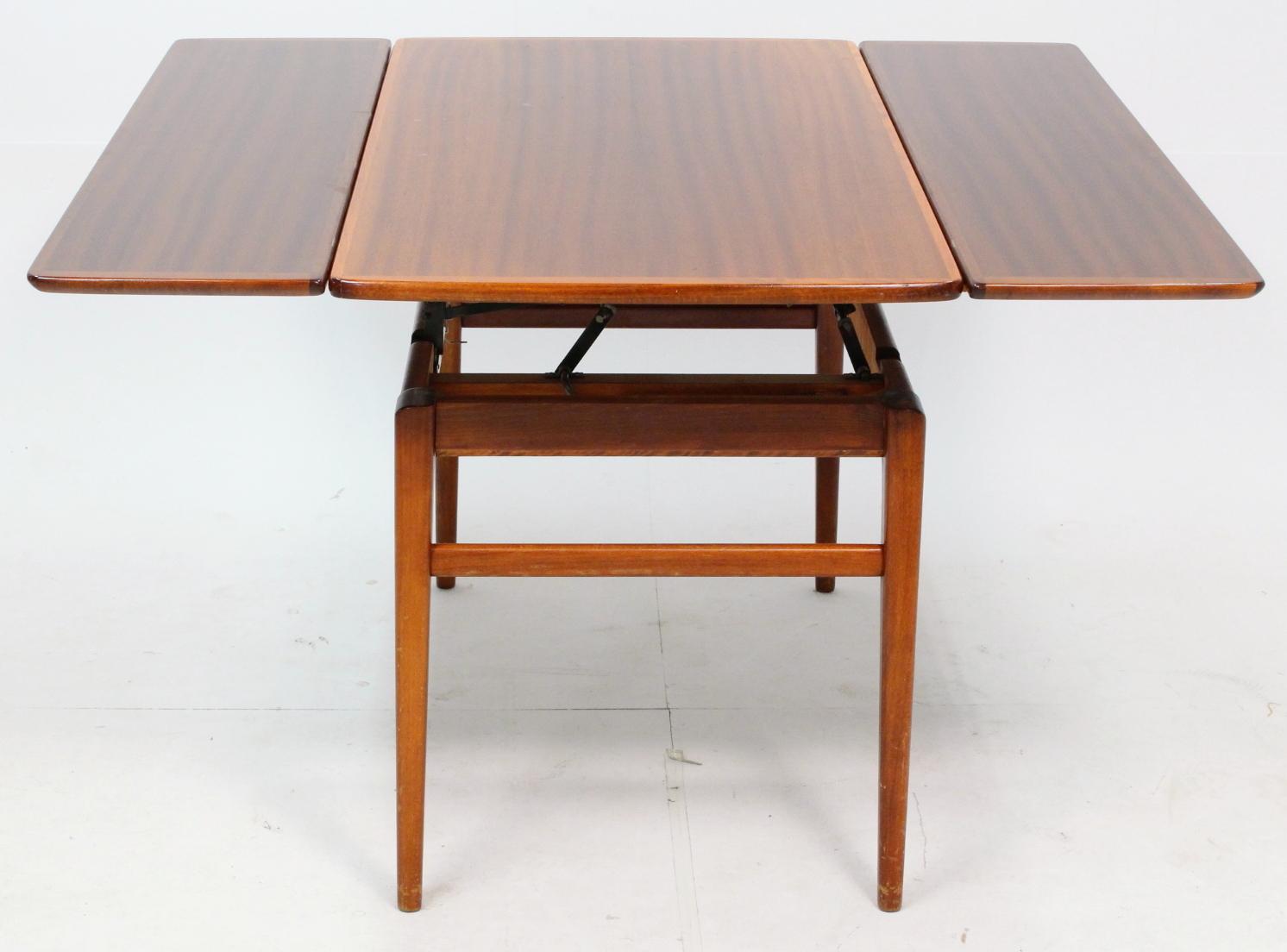 Bord Teak Hojbart Med Utdragsskivor 1950 Tal Mobler Bord Auctionet