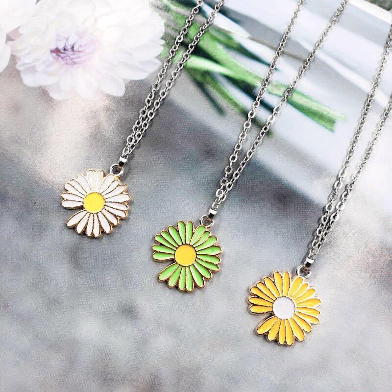 Daisy Floral Pendant Necklace