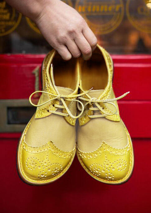 Vintage Lace Up Round Toe Flat Sneakers - Yellow