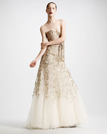 Monique Lhuillier Strapless Tulle Chantilly Lace Gown