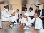 Advocates Najakat, Ashok and Ranjit suspended for 3 days, lawyers furious, ruckus Jalandhar, Jalandhar - Dainik Bhaskar