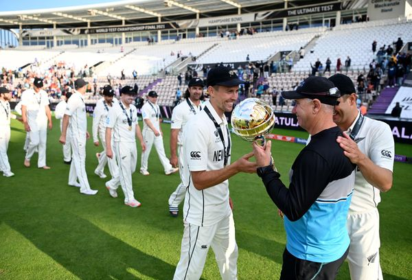 After winning the final, the mace was handed over to coach Mike Hesson by Trent Boult.  Together with Neil Wagner.