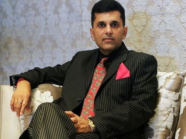 Film producer Anand Pandit often appears in favor of the central government, but he is also angry with the government for this decision.