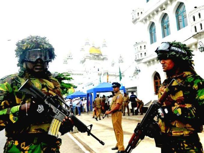 श्रीलंका के एक शीर्ष मंत्री ने मंगलवार को कहा कि 2019 में ईस्टर के दिन हुए हमलों के मुख्य षडयंत्रकारी की पहचान कर ली गई है और वह एक कट्टरपंथी धर्मगुरु है। - Dainik Bhaskar
