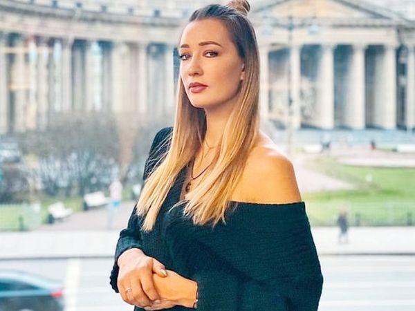 Sijikova is also very active on social media.