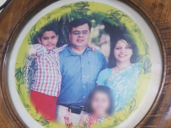 रेलवे अधिकारी का परिवार उन्हीं के जन्मदिन पर बिखर गया।