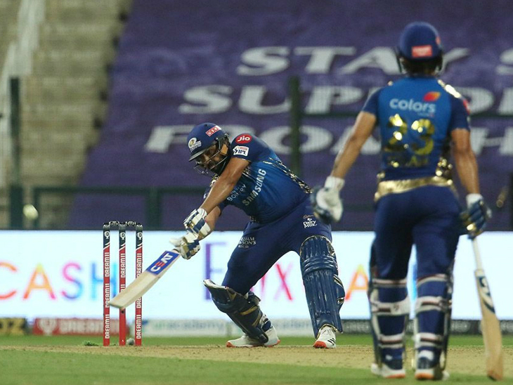 Rohit Sharma scored a brilliant 70 runs while playing well.  Rohit also completed his 5000 runs in IPL.  He is the third player to do so.