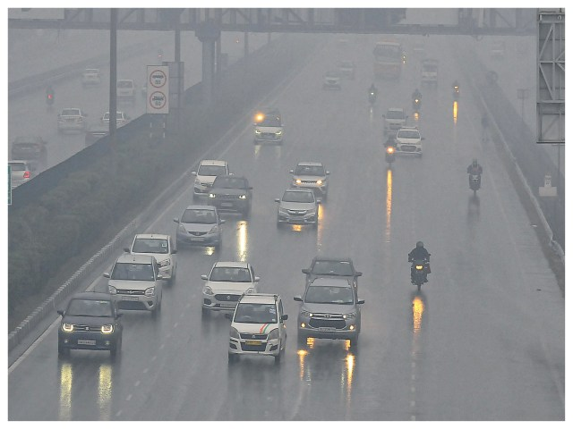 After the rain in Gurugram, the drivers had to light the day during the day due to mist.