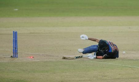 Manish Pandey was run out after scoring 37 runs in 31 balls in the 18th over of India's innings.  A straight shot from Suryakumar hit the stumps off Shanaka's hand.  Manish was out of the crease at that time.