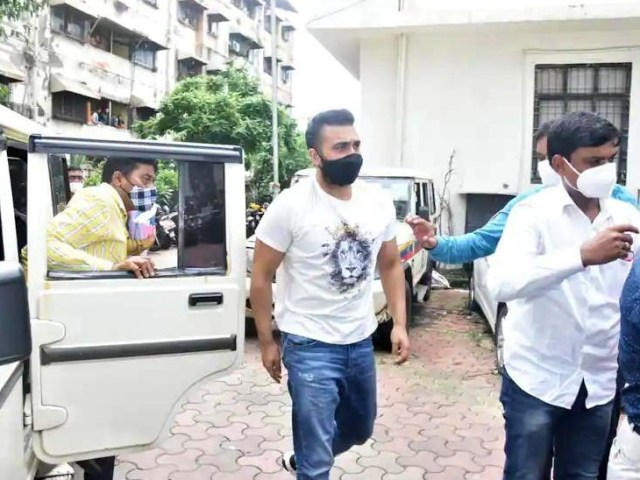 This picture of Raj Kundra is done during his court appearance after his arrest.