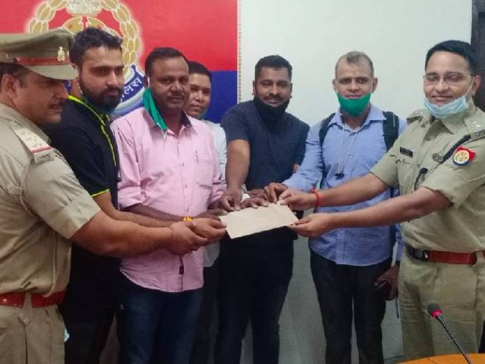 The Superintendent of Police has honored the team by giving Rs 15000.