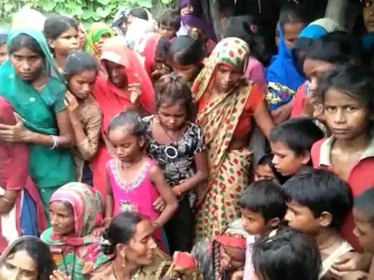 બાળકીના મોત બાદ ગ્રામજનો પીડિત પરિવારને સાંત્વના આપવા આવ્યા હતા. તેમનું કહેવું છે કે દીપડો ઘણીવાર રહેણાંક વિસ્તારમાં ચઢી આવે છે.