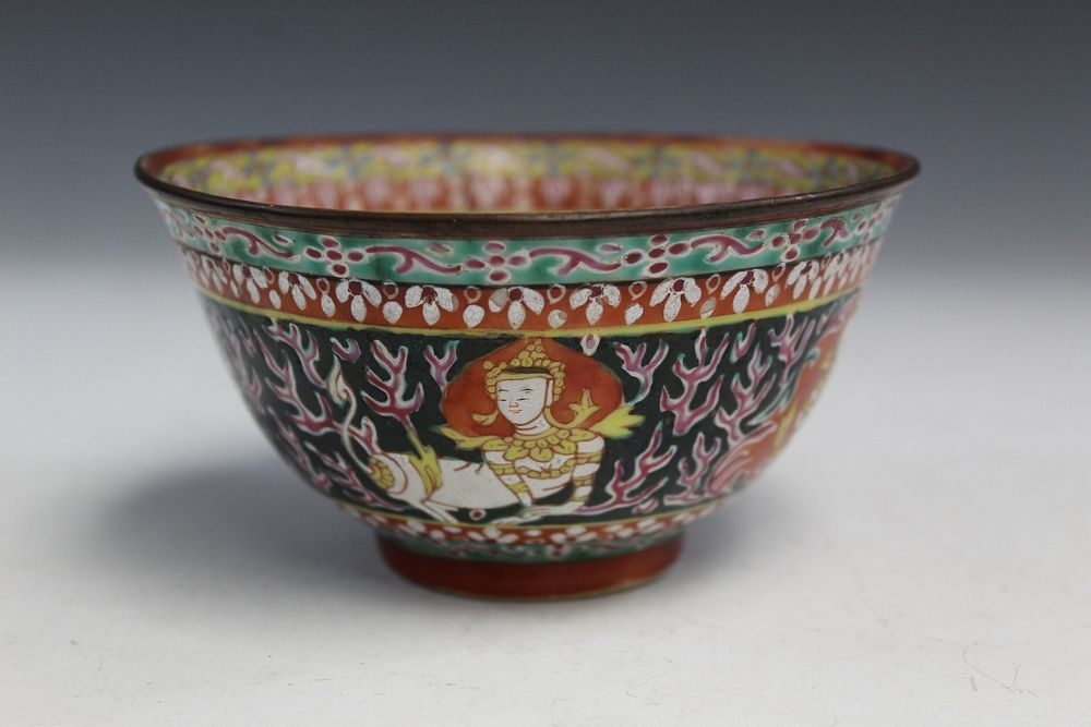 Chinese Famille Rose Porcelain Cup. 19th C.