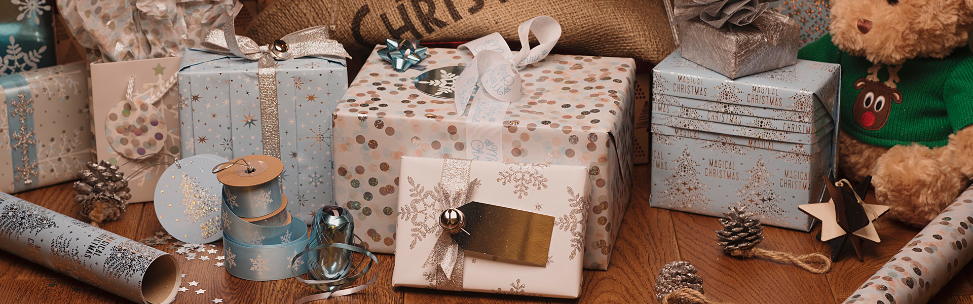 Magical Frozen Christmas Gift Wrap WHSmith Blog