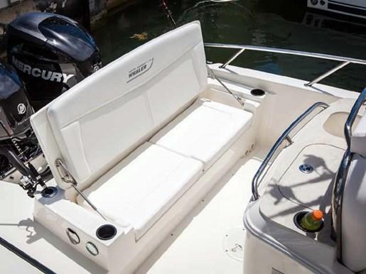 2014 Boston Whaler 270 Dauntless Center Console Boat