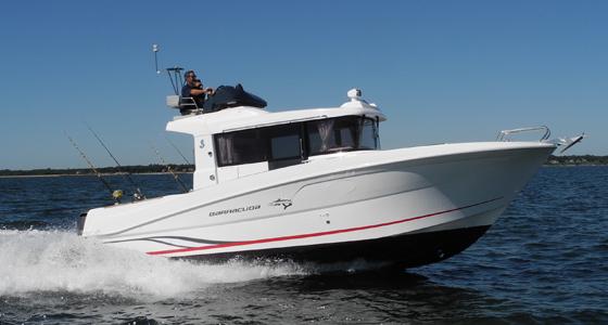 Flybridge Outboard Boat