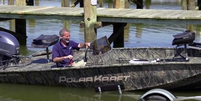 как запустить и погрузить трейлер лодки