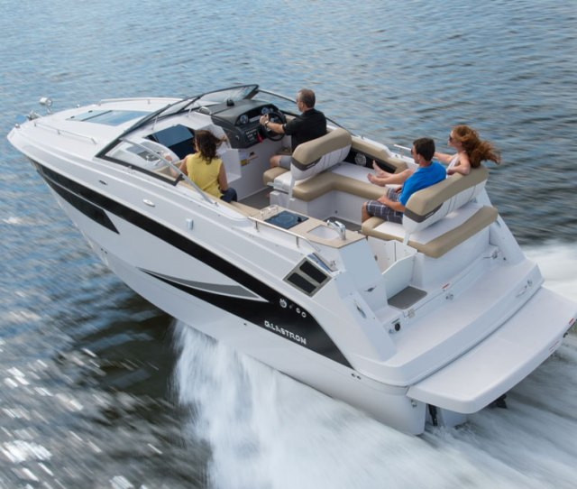 Both Inside And Out The Glastron Gs 259 Will Surprise You With How Much Room