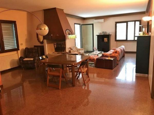 Casa Indipendente In Vendita A Padova Con Giardino 285 Mq