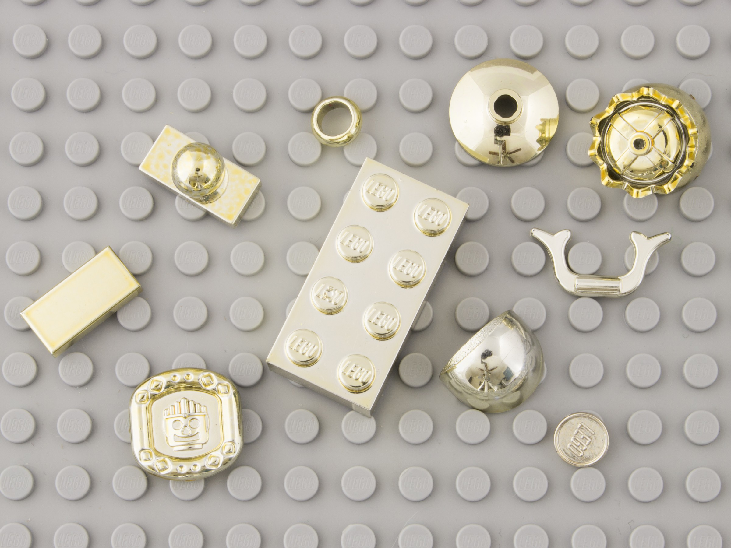 Chrome   Brickset  LEGO set guide and database Metalized Gold
