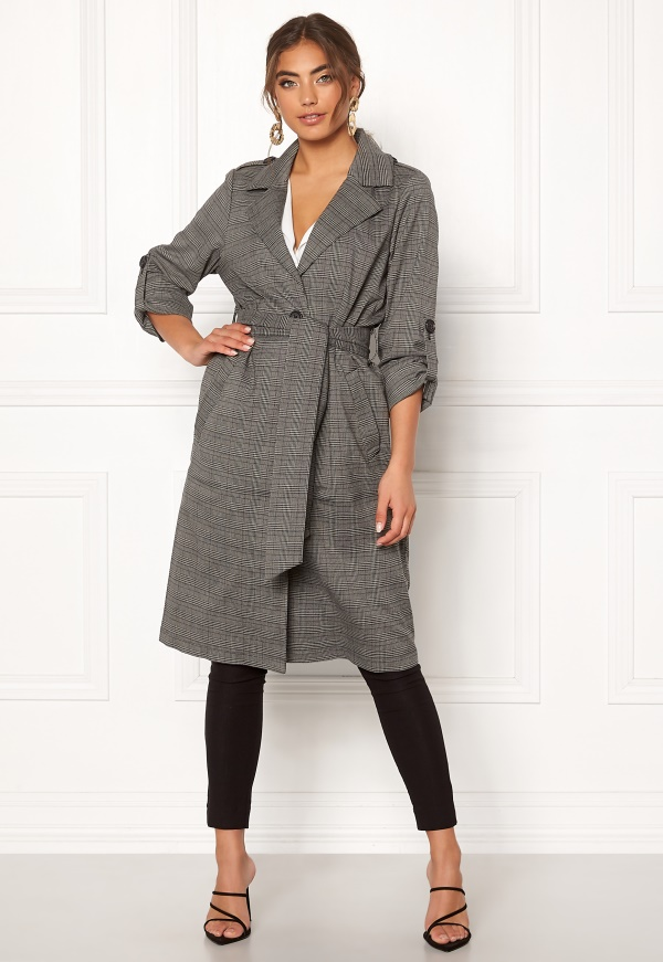 Checked Coat – Object