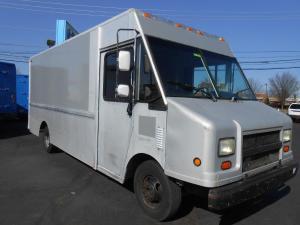 1999 Chevrolet P30 Van Trucks  Box Trucks For Sale Used