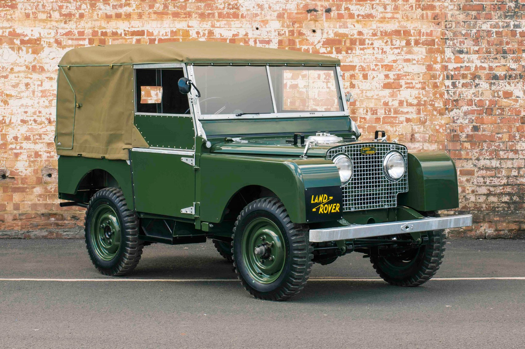 It lives it s it lives again Land Rover Series 1 Reborn