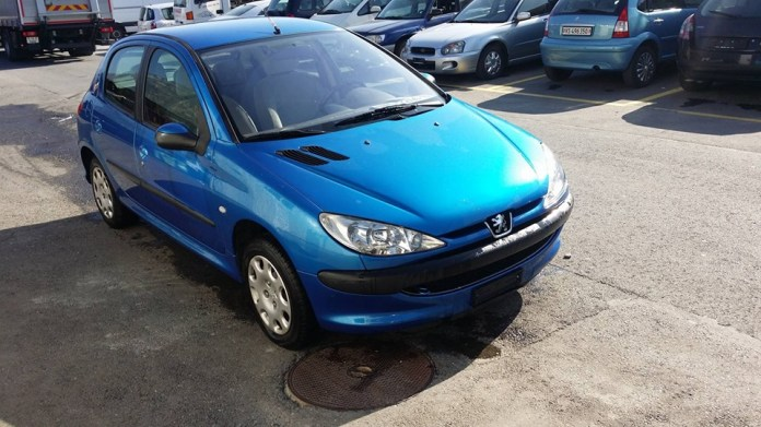 Peugeot 206 1 4 Hdi Look 131000 Km At 2800 Chf Buy It On Carforyou Ch