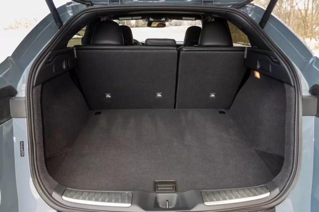 infiniti-qx55-sensory-awd-2022-25-interior - rear-load.jpg