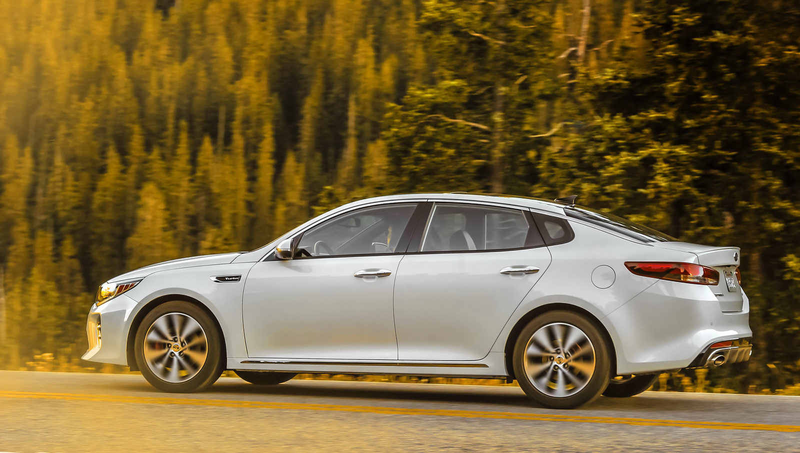 2016 Kia Optima Scores Top Safety Pick Plus Rating In IIHS