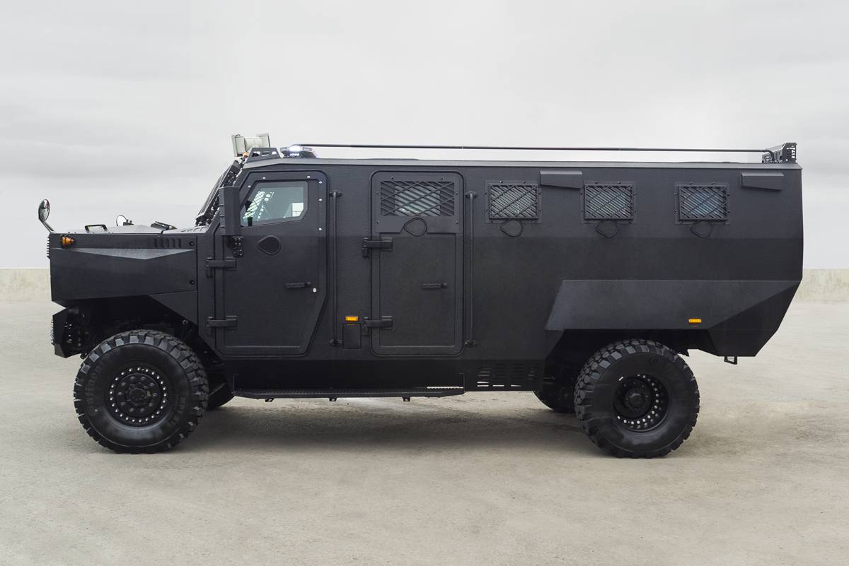 Canadian Inkas Superior Apc Amev 4x4 Can Tackle Any