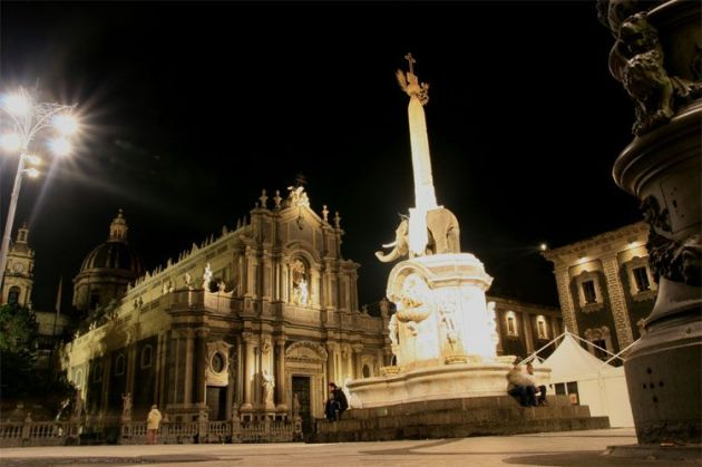 1_catania_piazza_duomo_4661