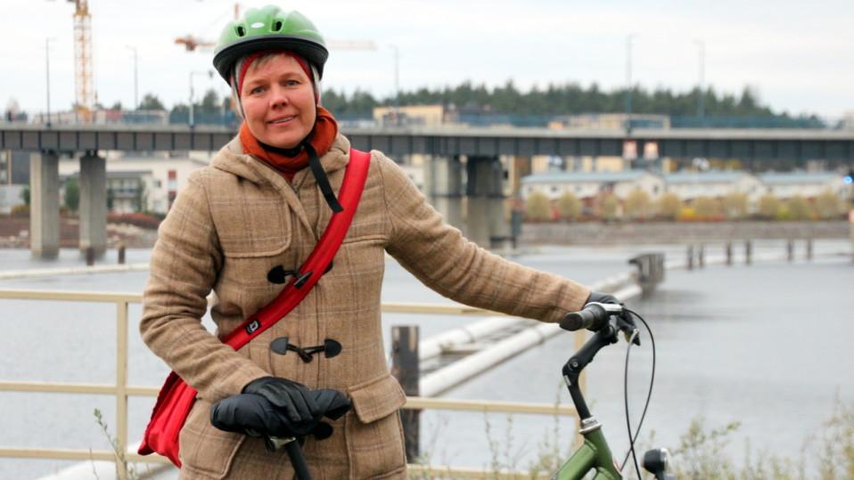 Vihreiden kansanedustaja Krista Mikkonen Joensuussa.