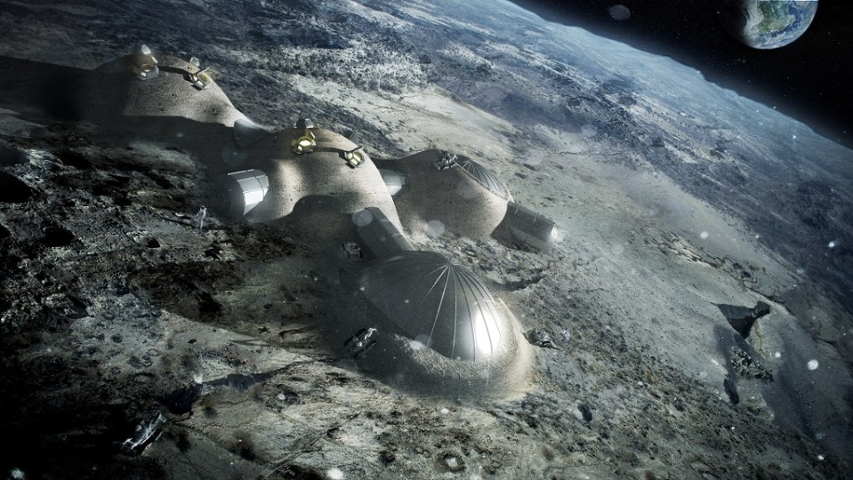 Havainnekuva neljästä kuplamaisesta rakennuksesta Kuun pinnalla. Taustalla häämöttää maapallo.