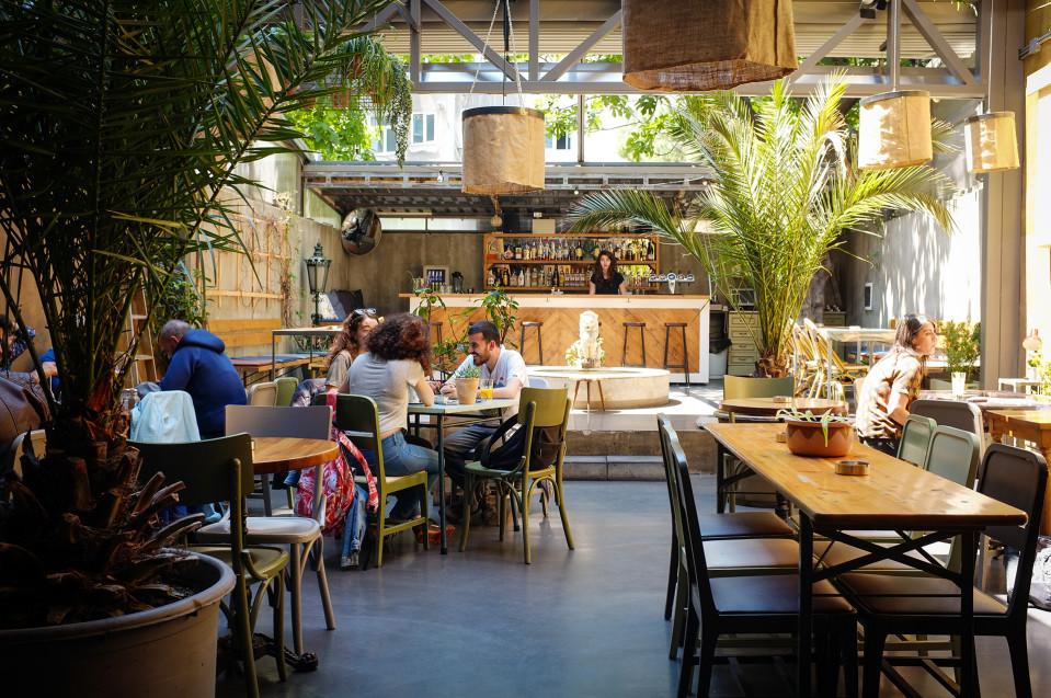 Istanbulin Kadiköyssä sijaitseva kahvila.