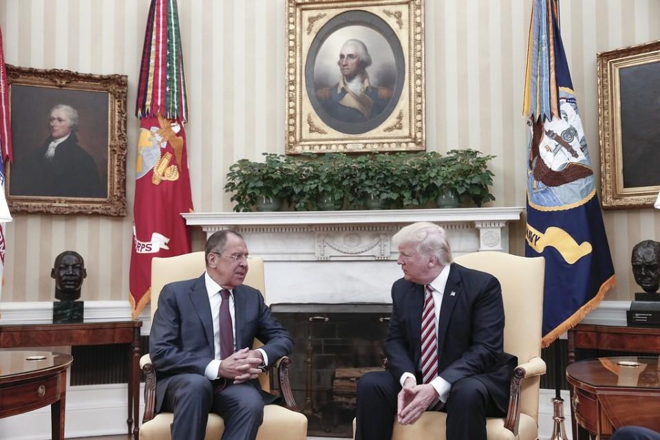 Yhdysvaltain presidentti Donald Trump ja Venäjän ulkoministeri Sergei Lavrov tapasivat Valkoisessa talossa 10. toukokuuta