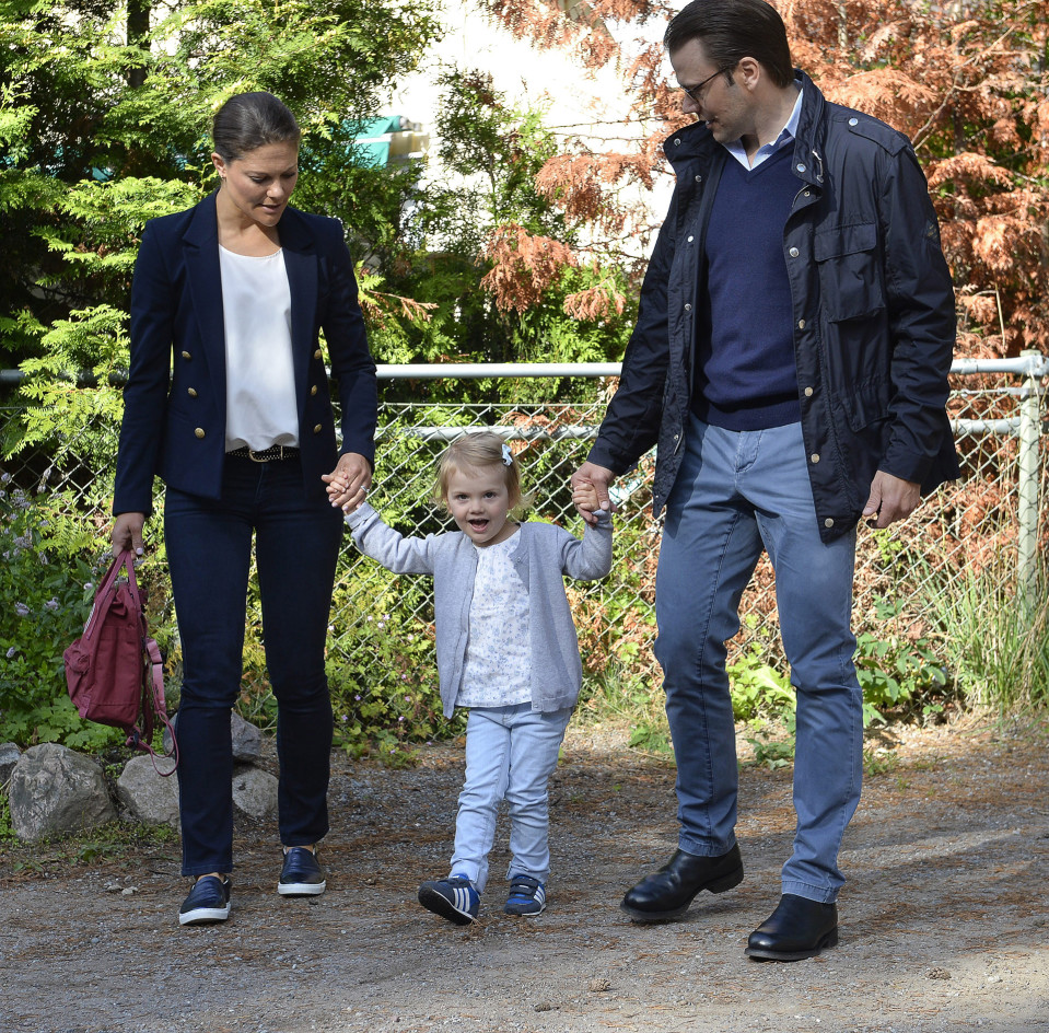 Victoria, Estella ja Daniel