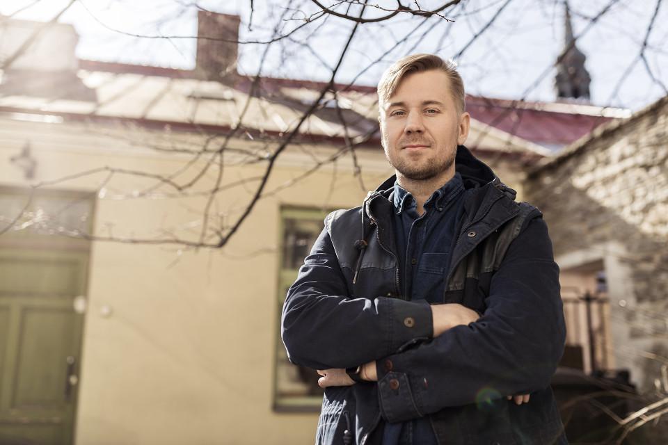 Tallinnassa asuva Tomi Wahlroos on mukana puolessakymmenessä eri yrityksessä.